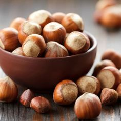 Fındık: Omega-3 yağ asitleri içeren fındıklar ve yağlı tohumlar kalbinize büyük yararlar sağlar. Tuzsuz ve çiğ şekilde her gün tüketin. - See more at: http://www.magazinizmir.com/foto-galeri/saglik-yasam/cildi-genclestiren-10-super-besin/findik_7#sthash.v47e185P.dpuf