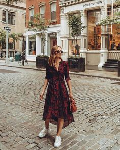 Casual Dresses Summer Dresses Casual Outfits Summer Outfits Cute Outfits Le Look Modest Fashion Fashion Outfits Womens Fashion Summer Dress Outfits, Fall Outfits, Casual Dresses, Casual Outfits, Dress And Sneakers Outfit, Wrap Dress Outfit, Overalls Outfit, Outfit Work, Casual Sneakers
