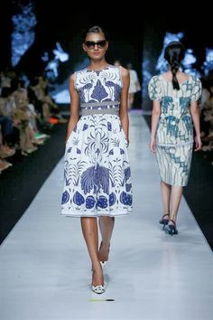 Mode adalah Fashion : From Jakarta Fashion Week 2014 - BATIK