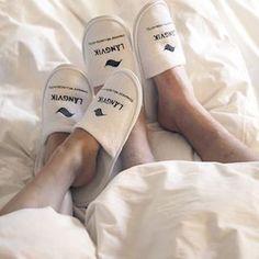 #thankgoditslångweekend avainmerkintä Instagramissa • Kuvat ja videot Weekend Getaways, Lifestyle Blog, Spa, Slippers, Sneakers, Finland, Beauty, Instagram, City