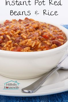 Red Beans & Rice In The Instant Pot Easy Instant Pot Red Beans And Rice - Hillbilly Housewife The ultimate frugal meal. The Instant Pot makes it quick and easy to prepare. Ideas for turning the leftovers into another delicious family dinner. Budget Freezer Meals, Cooking On A Budget, Frugal Meals, Cooker Recipes, Crockpot Recipes, Meatless Recipes, Rice Recipes, Dinner Recipes, Red Bean And Rice Recipe