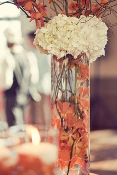 This chic and romantic Canada wedding is filled with the most beautiful fall wedding decor and warm fall colors. Photos by Leanne Pederesen Photographers.