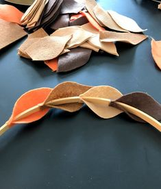 Fall Felt Wreath - An easy step by step tutorial How to make a beautiful Fall wreath made from felt leaves and an embroidery hoop.How to make a beautiful Fall wreath made from felt leaves and an embroidery hoop. Felt Flower Wreaths, Felt Wreath, Felt Flowers, Diy Flowers, Felt Garland, Flower Crafts, Easy Fall Wreaths, Diy Fall Wreath, How To Make Wreaths