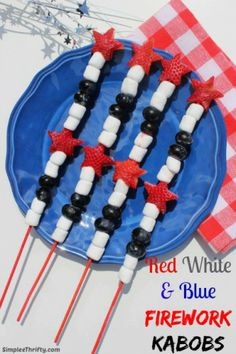 Red White  Blue Firework Kabobs - looks delicious!! #FourthOfJuly