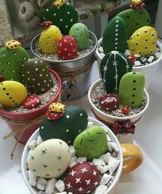 steine bemalen kaktus deko basteln You are in the right place about Cactus Here we offer you the most beautiful pictures about the Cactus watercolor you are looking for. When you examine the steine be Stone Crafts, Rock Crafts, Fun Crafts, Diy And Crafts, Arts And Crafts, Crafts With Rocks, Homemade Crafts, Summer Crafts, Painted Rock Cactus