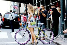 by Collage Vintage in New york street style New York Street Style, Street Style Summer, Ny Fashion Week, New York Fashion, Bicycle Girl, Bike, Cycle Chic, Cycling Outfit, Cute Dresses