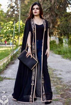 Muslim Fashion 304344887313012103 - سهر صالح Source by doumsdoums Abaya Fashion, Muslim Fashion, Modest Fashion, Fashion Dresses, Abaya Style, Hijab Style, Abaya Designs, Blouse Designs, Caftan Dress