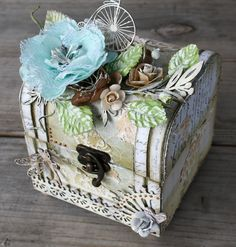 Miranda Edney as Ms Liberty Creations for Imaginarium Designs making an altered box; May 2013