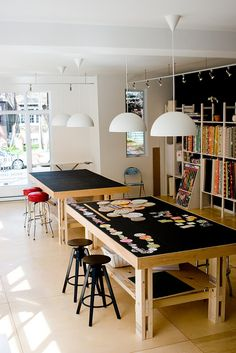 great space I really like the black tops on the tables....either you will really see stuff or it will disappear...