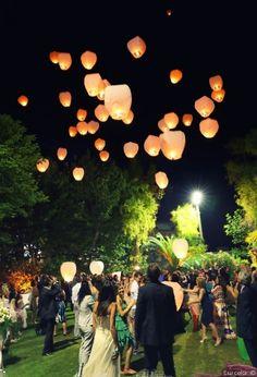 Lancio delle lanterne cinesi per il matrimonio #matrimonio #nozze #sposi #sposa #lanciolanterne #lanternecinesi #lanterne #chineselantern #lantern