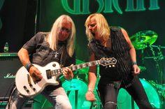 Caroline & Lady in black: STATUS QUO und Uriah Heep rocken Berlin - BerlinMagazine