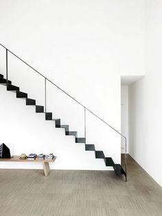 Escada de Ferro Preto Arquiteto: Piero Lissoni Fonte: minimalissimo