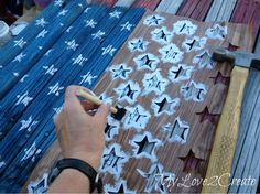 A fabulous patriotic project using an old fence!