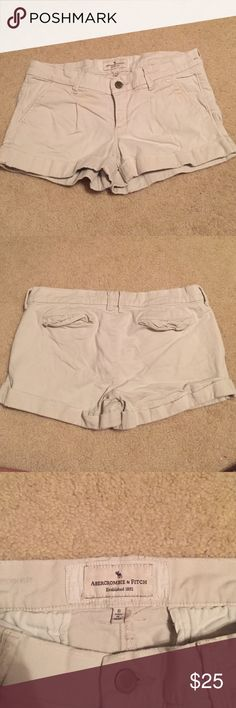 Abercrombie and Fitch khaki shorts Size 6. In good shape Abercrombie & Fitch Shorts