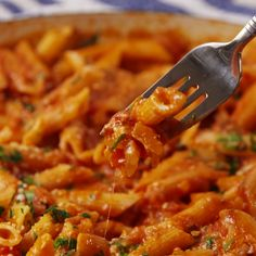 Food Discover Lunch snacks pasta marinara marinara recipe 5 ingredient meals cheese d Tasty Videos Food Videos Cooking Videos I Love Food Good Food Yummy Food Vegetarian Recipes Cooking Recipes Healthy Recipes Pasta Recipes, Dinner Recipes, Cooking Recipes, Dinner Ideas, Cheese Recipes, Dinner Options, Cooking Food, Chicken Recipes, Tasty Videos