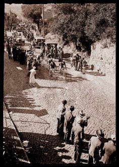 Calçada de Carriche [5.ª Volta Ciclista a Portugal] https://www.facebook.com/lisboadeantigamente/photos/a.1493633104195493.1073741828.1493627784196025/1820695968155870/?type=1&theater