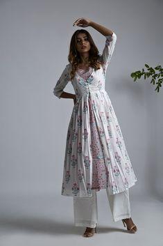 Off White Pink Hand Block Printed Mulmul Jacket - zora Kurti Neck Designs, Kurta Designs Women, Kurti Designs Party Wear, Dress Indian Style, Indian Dresses, Indian Outfits, Pakistani Fashion Casual, Indian Fashion, Casual Dresses