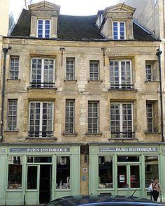Hôtel d'Ourscamp (1585) 44 et 46 rue François-Miron Paris 75004. Résidence des moines de l'Abbaye Notre Dame d'Ourscamp depuis 1248.