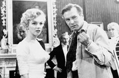 Marilyn-and-Laurence-Olivier-on-the-set-of-The-Prince-and-the-Showgirl
