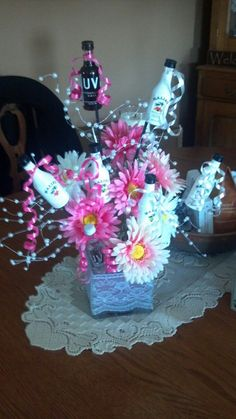 Birthday Ideas for Girls Lovely Birthday T for A Super Girly Girl 21st Birthday Gifts For Girls, 21st Bday Ideas, Birthday Fun, Birthday Parties, Birthday Ideas, 21st Birthday Centerpieces, Diy Centerpieces, Cute Gifts, Diy Gifts