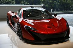 McLaren P1 - Why... is it smiling at me... Fascinating. //