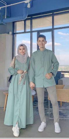 Muslim Women Fashion, Modern Hijab Fashion, Hijab Fashion Inspiration, Abaya Fashion, Modest Fashion, Fashion Dresses, Dress Muslim Modern, Muslim Dress, Eid Outfits