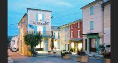 Le village de Banon, dans les Alpes-de-Haute-Provence (Provence-Alpes-Côte d'Azur).