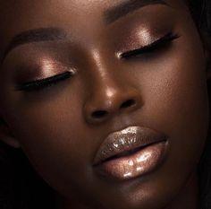 ideas makeup looks dark skin make up Dark Skin Makeup, Dark Skin Beauty, Eye Makeup, Natural Makeup, Dark Skin Eyeshadow, Makeup Brushes, Bronze Makeup, Natural Hair, Blush On Dark Skin