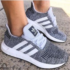 Adidas has really upped their game in the shoe dept! - Adidas White Sneakers - Latest and fashionable shoes - Adidas has really upped their game in the shoe dept! Tenis Nike Casual, Cute Shoes, Me Too Shoes, Shoes Sneakers, Shoes Heels, High Heels, Gray Adidas Shoes, White Sneakers, Adidas Women