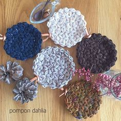 ふっくら可愛いリフ編みコースター♡ – Handful[ハンドフル] Crochet Coin Purse, Crochet Potholders, Crochet Earrings, Crochet Coaster Pattern, Crochet Motif, Knit Crochet, Lace Doilies, Tear, Hot Pads