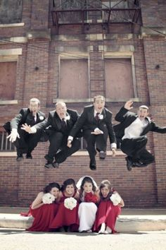 bridesmaids and groomsmen picture