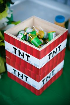 Use a small wooden box decorated as TNT to store the mini TNT (party poppers). Minecraft Party Decorations, Birthday Party Table Decorations, Birthday Party Tables, Decoration Table, Minecraft Party Ideas, Minecraft Birthday Party, 11th Birthday, Birthday Bash, Minecraft Birthday Invitations