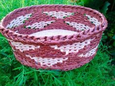 ▶ Fillet-cotton newspaper weave. - YouTube