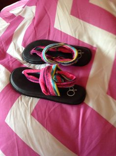 My new shoes New Shoes, Flip Flops, Sandals, Women, Fashion, Moda, Shoes Sandals, Fashion Styles, Fashion Illustrations