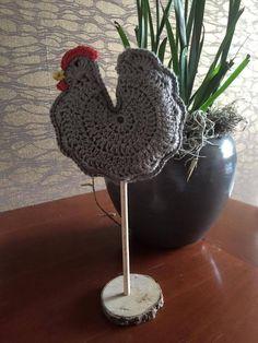 Kijk wat ik gevonden heb op Freubelweb.nl: een gratis haakpatroon van Ilse om een kip op stok te haken https://www.freubelweb.nl/freubel-zelf/zelf-maken-met-haakgaren-kip-op-stok/