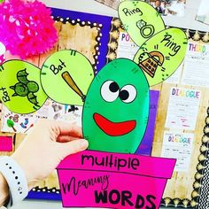 Multiple Meaning Words - Homonym Craft  #HollieGriffithTeaching #CraftsforKids #Grammar