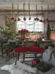 And now we are looking forward to the most special festival of the year. These beautiful Christmas images are very significant in our lives. Beautiful Merry Christmas Images and Xmas Photos. Check out some beautiful images of christmas festival Cottage Christmas, Christmas Room, Natural Christmas, Scandinavian Christmas, Country Christmas, Beautiful Christmas, All Things Christmas, Merry Christmas, Christmas Wonderland