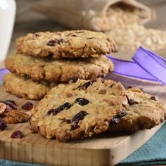Oatmeal cookies with dried fruits Fun Cookies, Oatmeal Cookies, Cookie Desserts, Dessert Recipes, Homemade Breadsticks, Healthy Sweets, Sweet Tooth, Bakery, Deserts