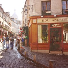 Boulangerie, alway walked across this when we were going back to the hotel. Such good memories of a romantic vacation in Paris <3