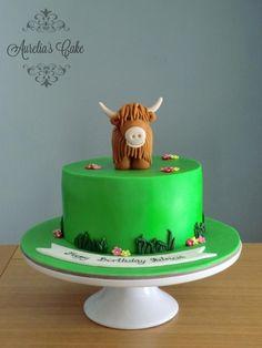 Highland cow cake - Cake by Aurelia's Cake Farm Birthday Cakes, Bithday Cake, 8th Birthday, Cow Cupcakes, Cupcake Cakes, Kiwi Cake, Foundant, Farm Cake, Animal Cakes