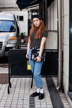HAT | SMITHBRIDGE TOP | AMERICAN APPAREL PANTS | ADERERROR BELT | ADERERROR SOCKS | SUPERCOMMA B SHOES | DR. MARTENS BAG | DR. MARTENS Street Style Park Eunyoung, Seoul