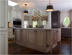 CABINETS Traditional Woodbury | Crystal Cabinets