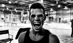 Hey, Teen Wolf fanatics, take a look at Charlie Carver new look as one of the Alpha's twins, it seems that he's getting comfortable with his new werewolf teeth's. Charlie is looking mighty ferocious with in his picture above.
