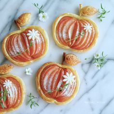 The most adorable Apple tarts ever!