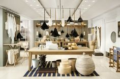 Jasper Conran rejuvenates the Conran Shop in London& Marylebone neighborhood, which was founded by his father, British tastemaker Sir Terence Conran Design Shop, Store Design, Design Design, Design Firms, Store Interiors, Dark Interiors, Home Interior, Interior Design, Interior Shop