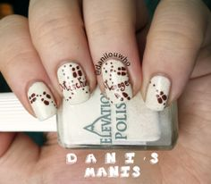 Marauder's map nail art - might be a nice subtle touch to a certain Harry Potter. - Marauder's map nail art – might be a nice subtle touch to a certain Harry Potter wedding - Harry Potter Nail Art, Harry Potter Nails Designs, Harry Potter Wedding, Cute Nails, Pretty Nails, Map Nails, Creative Nails, Gorgeous Nails, Cool Nail Art