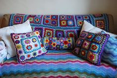 granny square LOVE Inspiracion conjunto  ❥Teresa Restegui http://www.pinterest.com/teretegui/❥