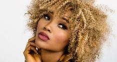 Die unglückliche Beziehung retten oder lieber gehen? Wie Sie die richtige Entscheidung treffen Curly Afro Hair, Curly Hair Styles, Natural Hair Styles, Crochet Braids Hairstyles, Afro Hairstyles, Fashion Tips For Women, Fashion Advice, Ladies Fashion, Fashion Fashion