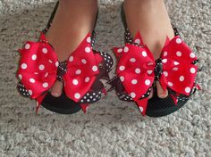 Adorable idea to dress up some plain sandals for Ry's bday to go with her Bandana dresses Im making :)