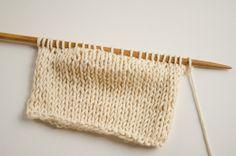 Imparare a lavorare i ferri accorciati è un must per tutte le knitters. Possono servire per una moltitudine di progetti, e rappresentano una di quelle tecniche che si devono conoscere a memoria per via della loro utilità. Nonostante tu possa già conoscere vari modi per realizzarle, non vogliamo lasciare da parte altri metodi nuovi. Chi …